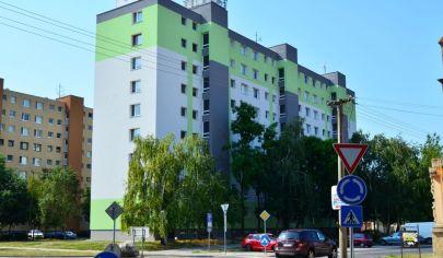 Hľadám prenájom 1 izbového bytu alebo garsónky v BA-Petržalka,Ružinov