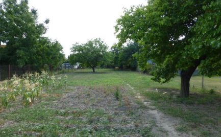 Pozemok (záhrada) s možnosťou stavby v Podunajských Biskupiciach.