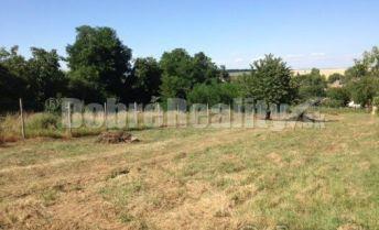 orná pôda, 2km od dialnice D1,  o výmere 18001 m2 v obci Báb