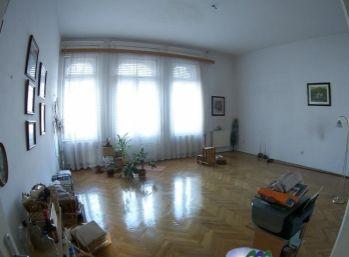 Predáme 3 izbový, tehlový,  veľký byt s balkónom - Maďarsko - Miskolc