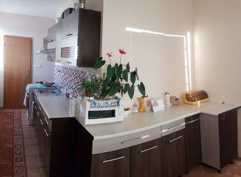 3 izbový byt s 2 balkónmi v Poltári