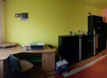 Kompletne prerobený 3 izbový byt v Poltári