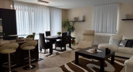 3 - izbový priestranný byt 84 m2 s veľkou terasou a samostatným šatníkom