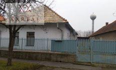 PREDAJ -starší rodinný dom Vráble