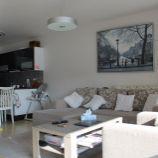 Priestranný klimatizovaný 2-izb byt v novostavbe Dubravia v Dúbravke, Trhová