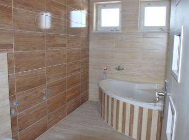 Dokončený, v štandarde vyhotovený, skolaudovaný 4-izbový bungalov