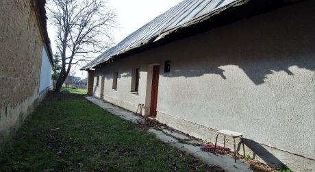 Na predaj rodinný dom 2+1, 795 m2,  Kočovce, Beckovská Vieska