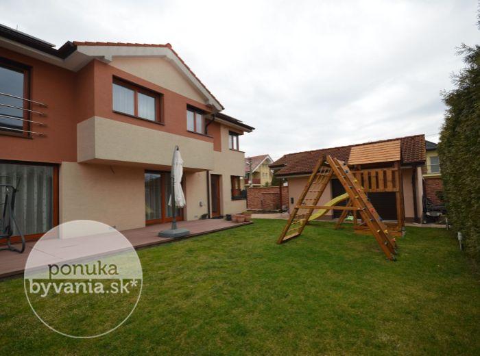 PRENAJATÉ - KOVOVÁ, 6-i dom, 313 m2 – nadšandardná NOVOSTAVA, 3x WC, 2x kúpeľňa, dvojgaráž, upravená záhrada, pokojná lokalita, REPREZENTATÍVNE RODINNÉ BÝVANIE