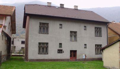 KRAĽOVANY 8 izbový rodinný dom na poz. 587m2., okr. Dolný Kubín