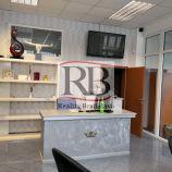 Administratívno-obchodný priestor v blízkosti Figara, 142 m2, vstup z ulice