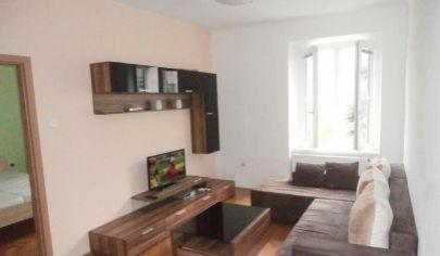 Ponúkame na prenájom 2-izbový byt na Vazovovej ulici v Starom meste