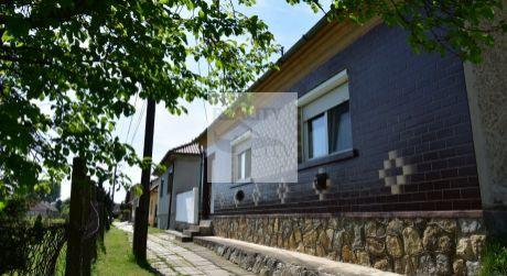 4 - izbový rodinný dom Bezenye 4km z Rajky