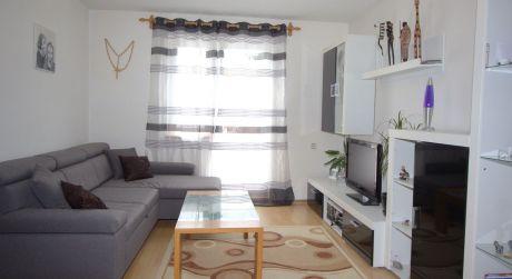 2-izbový byt (55m2) v mestskej časti Kňažia s nízkymi nákladmi a garážou