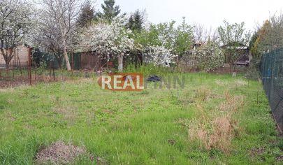 REALFINN PREDAJ - záhrada v Nových Zámkoch o výmere 302 m2
