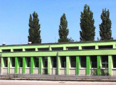 PREDAJ: SKLADOVO PREVÁDZKOVÝ AREÁL, SENICA - PRIEMYSELNÁ UL., CENA: 390.000 €