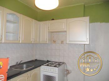 Na predaj 3-izb.byt, 65m2 s loggiou a pivnicou v Bánovciach n/B.