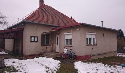 Nemčiňany, 4-izbový rodinný dom, pozemok 2128 m2, okr. Zlaté Moravce