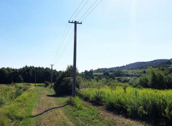 Pezinok (Grinava) - pozemok 2720 m2 v priemyselnej zóne.
