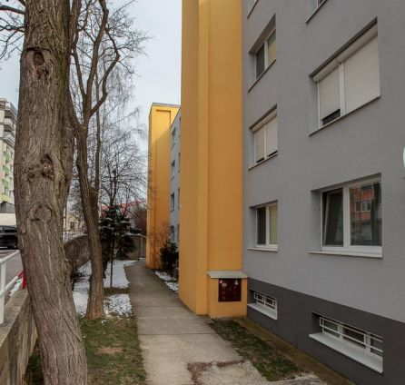 StarBrokers - NOVÁ EXKLUZÍVNA PONUKA 3-izb. bytu s plastovými oknami len na skok od prírody