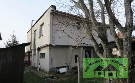 Poschodový RD, 130 m2, garáž, pôvodný stav, Júr nad Hronom