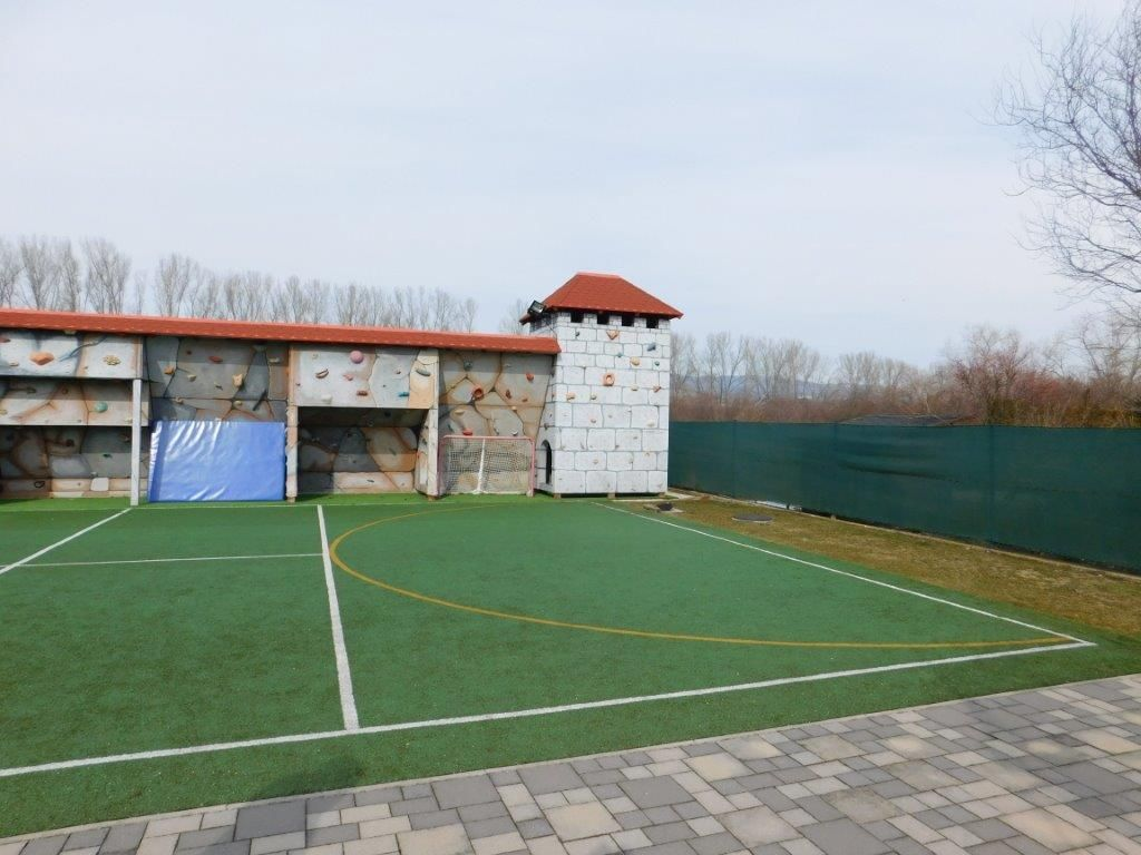 Areté real, REZERVOVANÉ - Predaj 810m2 stavebného, pekne upraveného pozemku v novej lokalite v obci Vinosady
