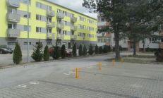 Vonkajšie parkovacie státia na Račianskej ulici v projekte Gaštanový hájik