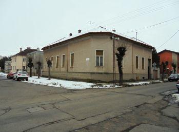 4-i dom,246 m2,zachovalý VHODNÝ AJ NA PODNIKANIE