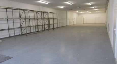 Na prenájom skladový priestor 275 m2, nakladacia rampa, prístup pre kamion. dopravu, Piešťany