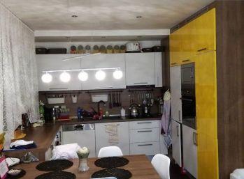 Na predaj moderne zrekonštruovaný 3-izbový byt s vlastným kúrením
