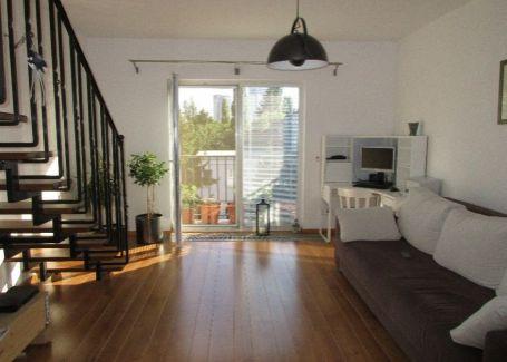 Úspešne PREDANÉ - Priestranný mezonet s 2 balkónmi a terasou + podkrovie