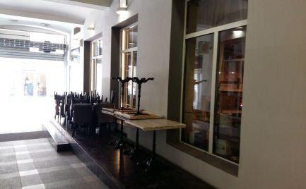 Priestor vhodný pre reštauráciu, pešia zóna mesta