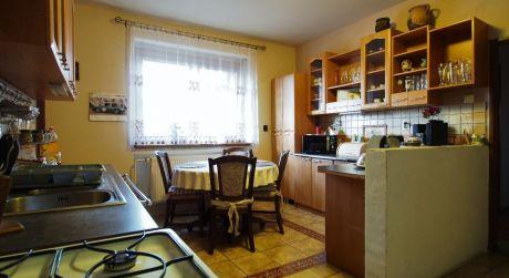 Na predaj rodinný dom, 2 x garáž, 840 m2, Ilava