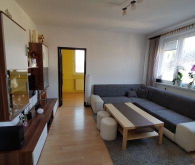 REZERVOVANÝ - Pekný 3 izbový byt v Považskej Bystrici,58m2.