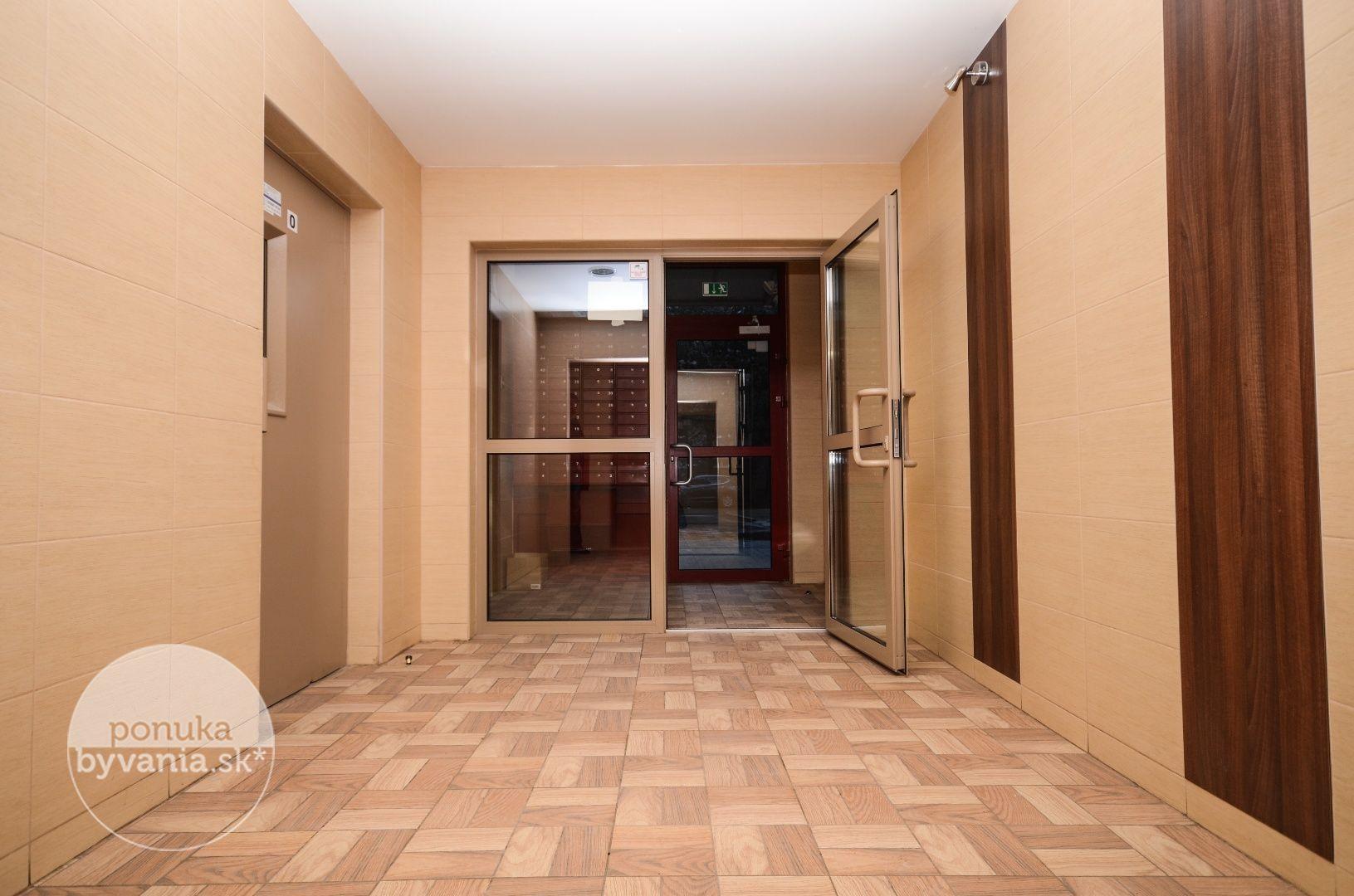 ponukabyvania.sk_Medveďovej_1-izbový-byt_LUPTÁK