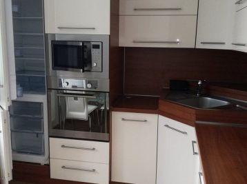 Luxusný 3,izbový byt na ul.Fabryho. pre naročných