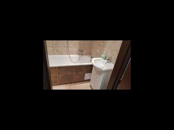 Kompletne zrekonštruovaný 3.izbový byt v Kralovskom Chlmci..L.KOSSUTHA-Už sa len nstahovat