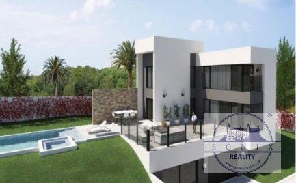 Reprezentačná vila s moderným dizajnom na predaj in Playa Flamenca, Španielsko