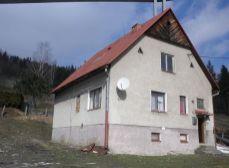 Rodinný dom s pozemkom Skalité