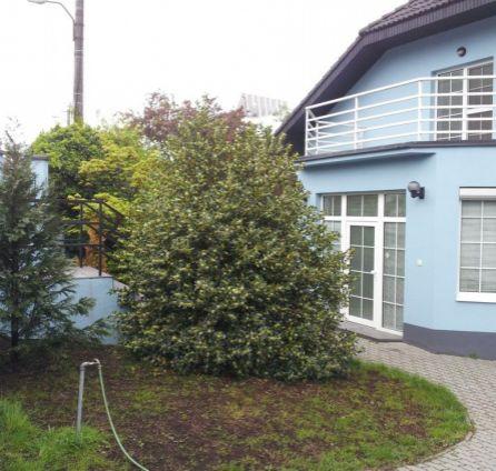 StarBrokers – Prenájom 7-izbového slnečného RD v Horskom parku