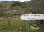 Devínska Nová Ves- pekný pozemok o výmere 1454m2, elektrika, voda