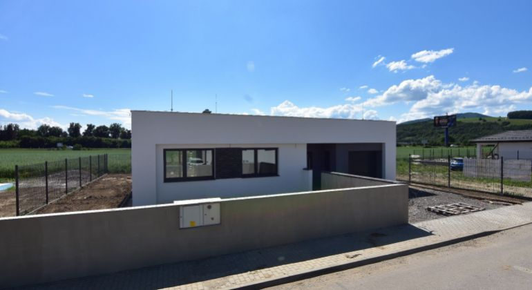 Novostavba RD bungalov /garáž, Trenčín, pozemok 450 m2