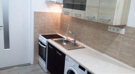 Predaj - Kompletne prerobený 1 izbový byt s balkónom v Komárne