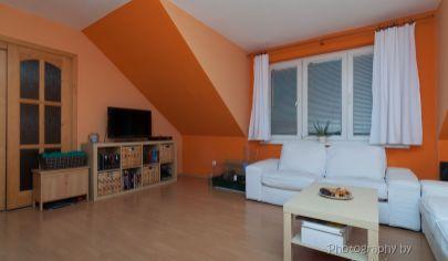 PREDANÉ APEX reality ponúka 2 izbový podkrovný byt v tichej lokalite pri Váhu
