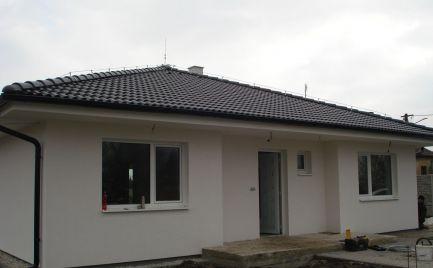 UŽ VO VÝSTAVBE – komfortné 4 izb bungalovy v tichej časti obce Michal na Ostrove