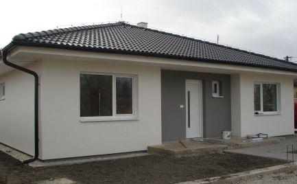 REZERVOVANÝ – komfortný 4 izb bungalov v tichej časti obce Michal na Ostrove