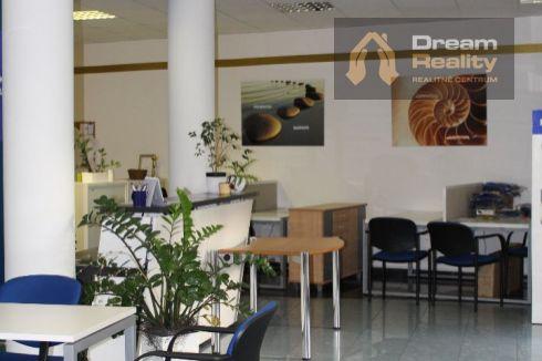 Lukratívny kancelársky/obchodný priestor