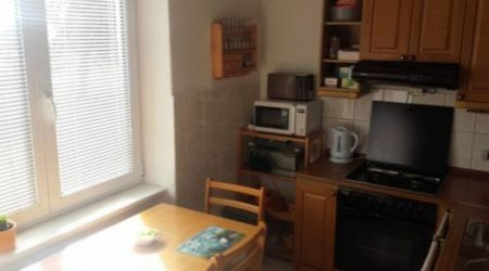 Ponúkame na predaj 3 izbový byt v Novej Dubnici, v tehlovej bytovke.