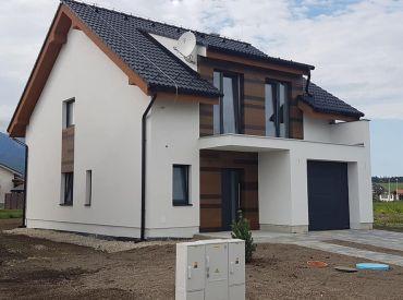 Rodinné domy na predaj v lukratívnej časti obce Veľký Slavkov