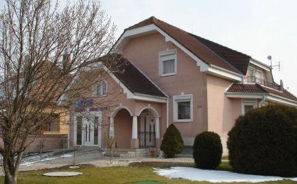 Priestranný 5 izb rodinný dom v obci Mad