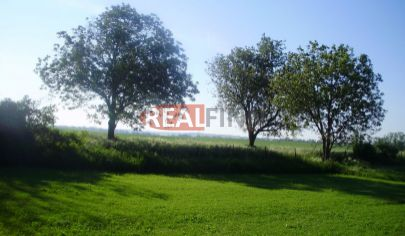 REALFINN - PODHÁJSKA /Jasová/- Stavebný pozemok na predaj o rozlohe 1000 m2